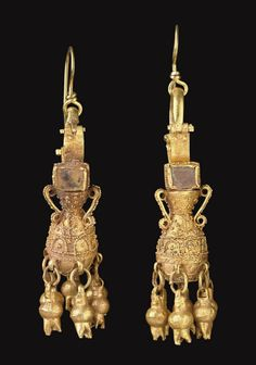 A PAIR OF PARTHIAN GOLD AND GLASS EARRINGS -  CIRCA 2ND CENTURY A.D.