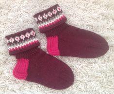 Kääntövarsisukat, 7 veljestä, 98 g. Minnalle jouluna 2018. Socks, Fashion, Moda, Sock, Fasion, Stockings, Ankle Socks, Trendy Fashion, La Mode