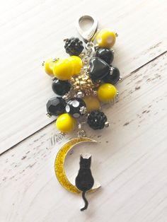 Cat in the Moon mini beads Zipper Bag Charm/Keychain/Car rearview mirror charm/purse/planner/fan pull charm/crazy cat lady/kitten/black cat by MissMelsCottage on Etsy Crazy Cat Lady, Crazy Cats, Keychain Ideas, Sunflower Necklace, Tassel Keychain, Chunky Beads, Rakhi, Beading Ideas, Organza Gift Bags