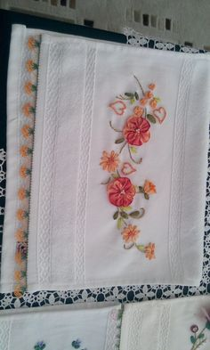 İğne oyası el işlemesi Silk Ribbon Embroidery, Lace Ribbon, Ribbon Work, Embroidery Patterns, Hand Embroidery, Abaya Designs, Fabric Flowers, Needlework, Diy And Crafts