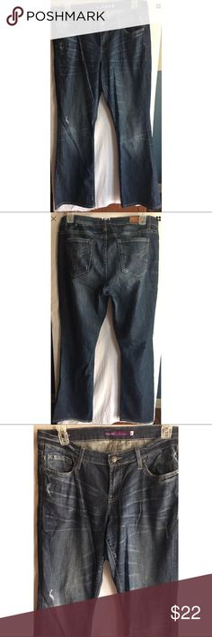 """Vigoss Womens Bootcut Dark Wash Jeans Size 14 Vigoss womens bootcut jeans size 14   Measurements-  Waist: 37""""  Rise: 9""""  Inseam: 34""""    Buyer please note there is some light fraying on hem and a tiny bit of wear on inner thigh. Please view photos prior to purchase. Thank you!      Customer service is my #1 priority! I strive to not only meet, but to exceed the standard. If for any reason you are unhappy with your order, I will make it right!     Thank you for supporting small business…"""
