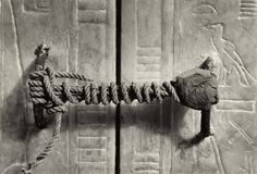 Tombe OF TUT ANKH AMUN discovered 1922