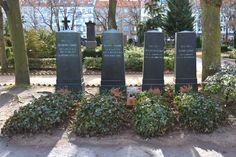 Grabstaette der Brueder Grimm in Berlin-Schoeneberg