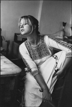 savetheflower-1967:   Helen Mirren - 1969.