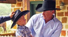 George Strait& Heartwarming Family Moment Shows Us What Really Matters Country Music Lyrics, Country Music Videos, Country Music Singers, George Strait Family, Joyce Taylor, Country Musicians, King George, News Songs, Rey