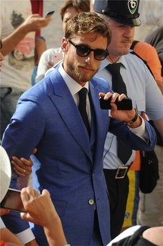 Claudio Marchisio Claudio Marchisio, Men Street, Street Style Women, Swedish Men, Madrid, Street Fashion, Mens Fashion, Daily Fashion, Gentleman Style