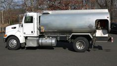 2009 BOSTON STEEL ALUMINUM FUEL TANKER; 2700 GAL MOUNTED ON 2010 PETERBILT PB335