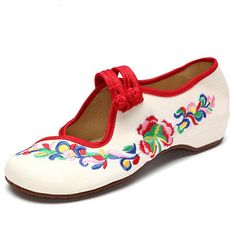 Hot-sale Camellia Embroidered Slip On Vintage Breathable Women Shoes - NewChic Mobile.