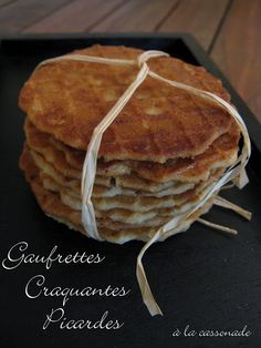 Gaufrettes craquantes picardes à la cassonade Crepe Recipes, Dessert Recipes, Pancakes, Waffles, French Crepes, French Patisserie, Beignets, Tea Time, Donuts