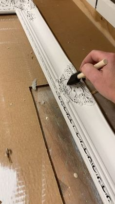 Refinishing Furniture With Chalk Paint Shabby Chic Annie Sloan Ideas Chalk Paint Projects, Chalk Paint Furniture, Furniture Projects, Diy Furniture, Diy Projects, How To Distress Furniture, Distressing Chalk Paint, How To Use Annie Sloan Chalk Paint, Furniture Design