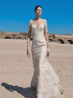 Robe de mariée Mc18-28, créateur Marie claire : Robe coupe droite avec traîne, en dentelle brodée et organza soyeux, ivoire.