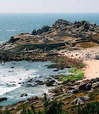Castro-de-Barona-galicia Paraiso Natural, Secret Places, Wanderlust, Water, Travel, Outdoor, Portugal, Viajes, The Outsiders