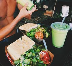 Avocado rolls and surimi - Clean Eating Snacks Think Food, I Love Food, Good Food, Yummy Food, Yummy Eats, Tasty, Healthy Snacks, Healthy Eating, Healthy Recipes