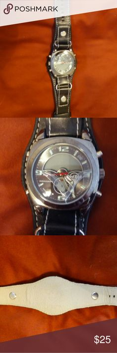Fossil Mens Hard Rock Black Leather Watch Face is cracked, needs battery Fossil Accessories Watches