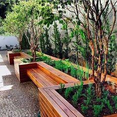 New garden seating bench tuin ideas Garden Seating, Terrace Garden, Garden Beds, Garden Planters, Back Gardens, Small Gardens, Outdoor Gardens, Backyard Patio, Backyard Landscaping