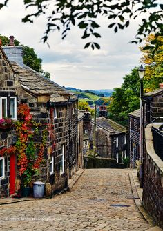 """Heptonstall, Calderdale, West Yorkshire, UK """" eee lass, get thi leg i bed and gi us a pull up here"""". Yorkshire dialect means. Put your arm in mine and help me up this hill love. Yorkshire England, Yorkshire Dales, West Yorkshire, Cornwall England, England Ireland, England And Scotland, Foto Gif, English Village, British Countryside"""