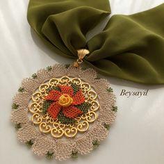 Yeni yepyeni 😍🍃🍂🍃🍂 ~•~•~•~ #igneoyası #fular #kolye #takı #tasarım #elemegi #hediyelik #ceyizlik #handmade #gelinbohcası #art #crochet #photooftheday #diycrafts #artcraft #keşfet #elisiterapim Unique Crochet, Easy Crochet, Free Crochet, Unique Gifts For Mom, Gold Party Decorations, Scarf Jewelry, Party Props, Girls Hair Accessories, Diy And Crafts