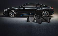 Louis Vuitton diseña maletas para el nuevo BMW i8. Inspirada en el diseño visionario del nuevo BMW i8, la nueva colección de maletas de la prestigiada marca francesa Louis Vuitton está integrada por dos bolsas de viaje, un maletín y una funda para trajes las cuales fueron concebidas a la medida para aprovechar perfectamente el espacio interior del referido vehículo. #digoAutos