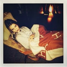 Rosie Huntington Whiteley http://www.vogue.fr/mode/mannequins/diaporama/la-semaine-des-tops-sur-instagram-8/16367/image/883102#!rosie-huntington-whitetley