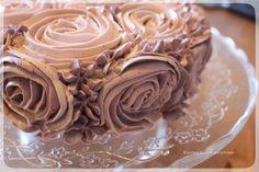 Swiss Meringue Buttercream Torte mit Buttercreme Rosen