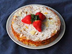 Sitruunainen manteli-ricottakakku on kuin pala taivasta - Pilkettä Pie, Baking, Desserts, Recipes, Food, Torte, Tailgate Desserts, Cake, Deserts