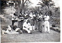 Mais um piquenique na Ribera de Julión : Foto datada de Junho de 1950.    Quem é quem?  Não sei se será fácil, eu ainda não sonhava nascer.   07tsantos