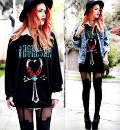 no strings attached Grunge Outfits, Grunge Fashion, Girl Fashion, Fashion Outfits, Punk Fashion, Casual Goth, Luanna Perez, Rocker Look, Hipster Girls