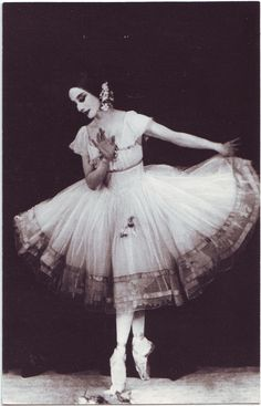 Anna Pavlova as Giselle - 1924 - London  Laura Johnson via Kinsey Novak onto dance