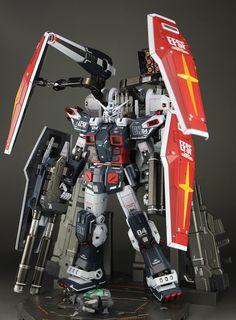 GUNDAM GUY: MG 1/100 Full Armor Gundam [Thunderbolt] + Weapon Hanger Set - Customized Build