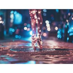 light, dance, and ballet image Dance Photography Poses, Dance Poses, Light Photography, Creative Photography, Dance Photo Shoot, Brandon Woelfel, Photo D Art, Dance Pictures, Belle Photo
