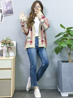 spring korean fashion that looks stunning Korean Girl Fashion, Ulzzang Fashion, Kpop Fashion, Asian Fashion, Fashion Outfits, Womens Fashion, Warm Outfits, Trendy Outfits, Cute Outfits