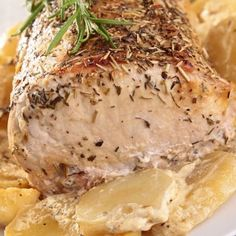 Roast pork with garlic, thyme and oven-baked ratti .- Roast pork with garlic, thyme and baked rattes I added some white wine with chicken broth and cream - Diced Pork Recipes, Pork Recipes For Dinner, Oven Recipes, Fish Recipes, Baked Flounder, Flounder Recipes, Baked Fish, Oven Baked, Oven Roast