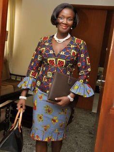 ♡Habiba Dembele est une journaliste ivoirienne et présentatrice TV. Vous comprendrez pourquoi un post lui est consacré sur Pagnifik en voyant ces quelques photos montrant des looks qu'on l'a vu arborer ces derniers mois. Des tenues class, rafinées, élégantes où les motifs du pagne sont exploités avec intelligence et justesse. Bref, on aime.