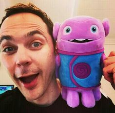 Jim Parsons and Oh, THis is not Big bang theory but im pinning it anyway :) The Big Theory, Big Bang Theory, Howard Wolowitz, Melissa Rauch, Mayim Bialik, Jim Parsons, Never Grow Up, Tom Hanks, Pewdiepie