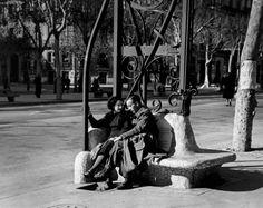 Barcelona Spain 1939 Photo: Robert Capa
