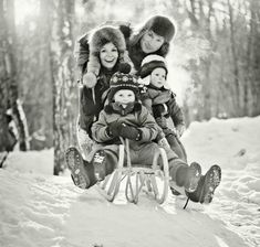 More Christmas Card Photo Ideas - Photo Filters #Christmascards #peartreegreetings #photos http://www.peartreegreetings.com/blog/2013/08/more-christmas-card-photo-ideas/ #familyphotography
