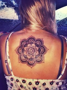 28 Amazing Back Mandala Tattoos for Women and Girls (28)