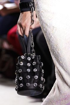 Alexander Wang Spring 2017 Ready-to-Wear Fashion Show Details