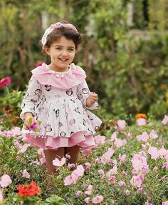 Smiling always is the best remedy to happy urself 😊😊 Cute Little Baby Girl, Cute Kids Pics, Cute Baby Girl Pictures, Cute Girl Pic, Beautiful Children, Beautiful Babies, Cute Baby Girl Wallpaper, Cute Babies Photography, Pretty Kids