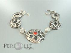 Brazalete Armilla  Artista: Tania Marzuca Rivero.  Arcilla de plata Art Clay Silver, plata pura 99.9%  y circonita
