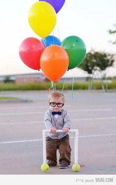 Up! How freaking cute is this!? Love this costume idea.