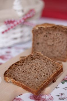 Chleb orkiszowy pełnoziarnisty na zakwasie Bread Baking, Banana Bread, Foods, Drink, Fit, Blog, Baking, Food Food, Food Items
