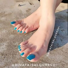 Image may contain: one or more people and text Pretty Toe Nails, Cute Toe Nails, Pretty Toes, Beautiful Toes, Lovely Legs, Feet Soles, Women's Feet, Yellow Toe Nails, Actress Feet