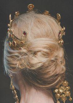 sfilate:  Dolce  Gabbana F/W 2013 Detail
