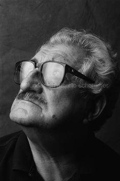 Actitudes (1988-1989) ‹ Alberto Schommer Garcia Alix, Alberto Garcia, Glasses, Portrait, Chema Madoz, Attitude, Group, Eyewear, Eyeglasses