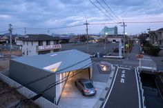 Image 15 of 25 from gallery of Drive Through House / CAPD. Photograph by Kazunori Nomura House Of The Rising Sun, Sunrise, Home And Family, Urban, Modern Homes, Architecture, Single Family, Gallery, Image