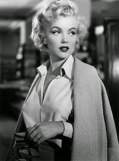 marilyn monroe casual glamorous style