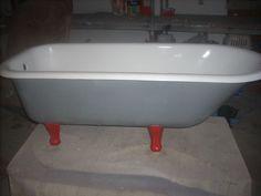 Banheiras Victorianas com pés (restauradas) Vendem-se banheiras Antigas Com Pés (victorianas) tambem restauramos outras dos clientes. Portugal, Poses, Soaking Tubs