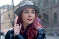 redhead fashion blogger