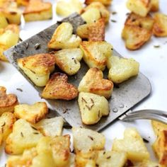How to make perfect crispiest roasted potatoes with one simple trick. Make cute roasted heart potatoes for Valentine's Day dinner Valentines Day Dinner, Valentines Day Treats, Valentine Heart, Cute Food, Good Food, Yummy Food, How To Cook Potatoes, Valentine's Day Quotes, Roasted Potatoes
